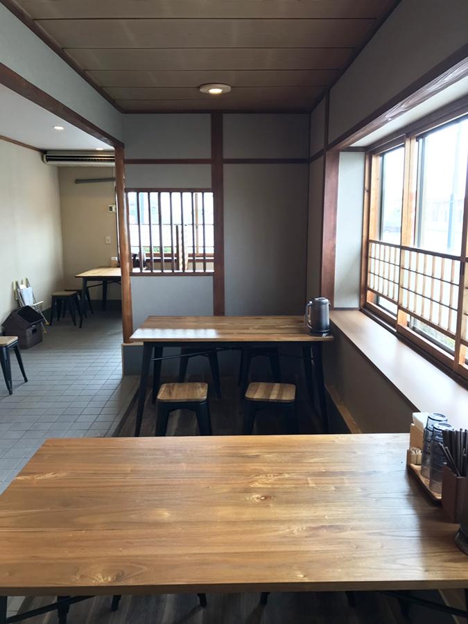 テーブル席_hp